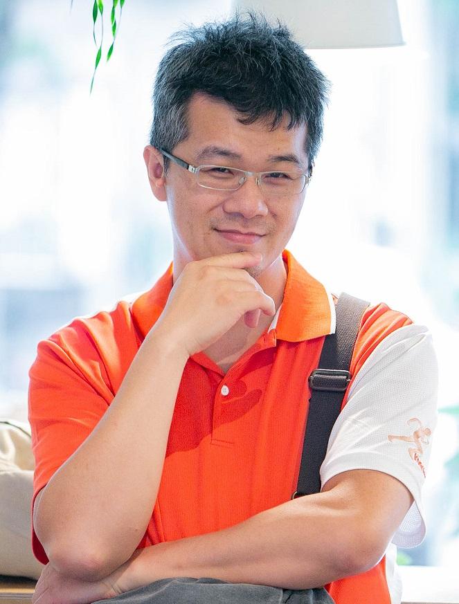 施奕全 台灣優勢客服科技 顧問講師